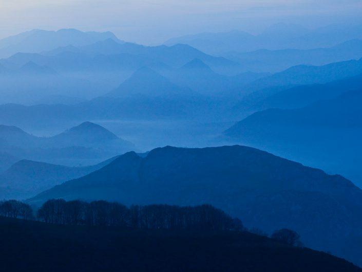 paisaje azul en asturias
