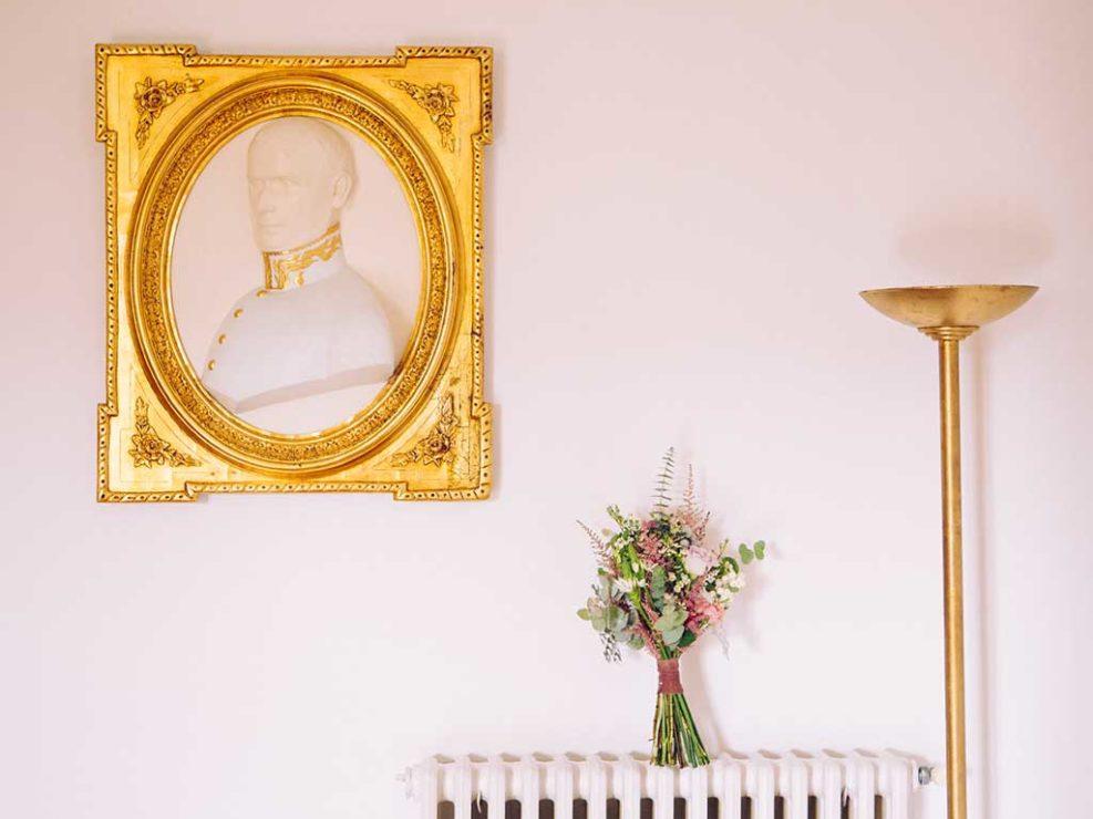 ramo de novia de flores pando en boda en el palacio de meres asturias