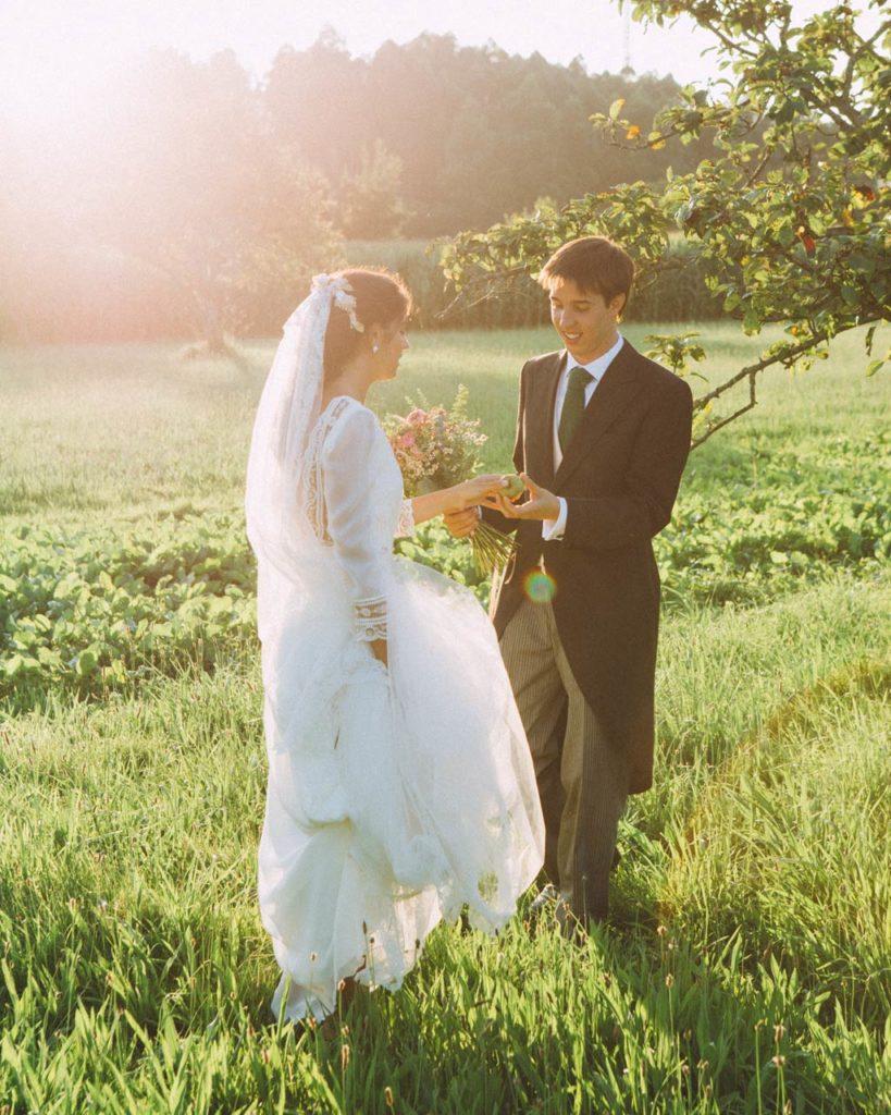 Novios en boda en Ribadesella