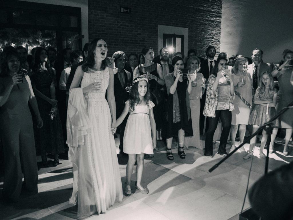 novia en concierto en boda